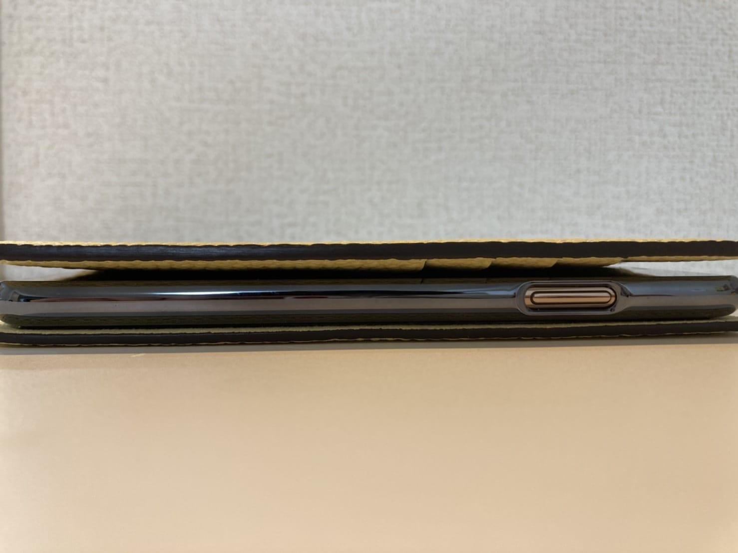 BONAVENTURA iPhone ケース 閉じた状態